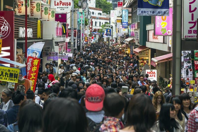 Улица Takeshita в токио, Японии стоковые фотографии rf