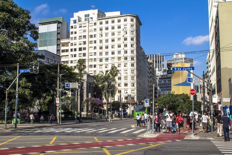 Улица Xavier de Toledo стоковое фото