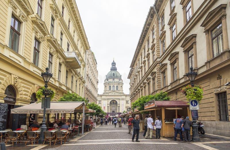 Улица Zrinyi в Будапеште стоковое изображение