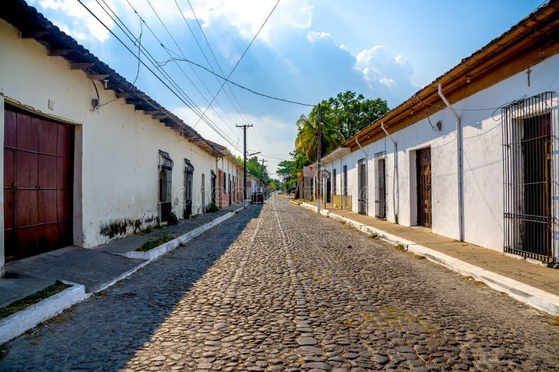 Улицы городка Suchitoto в Сальвадоре стоковое изображение rf