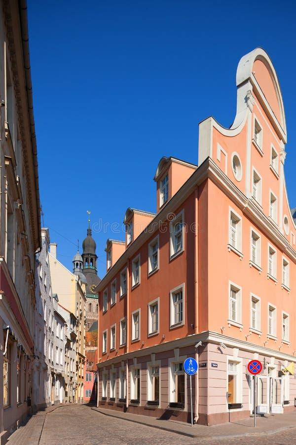 Улицы старого городка Риги весной стоковая фотография rf