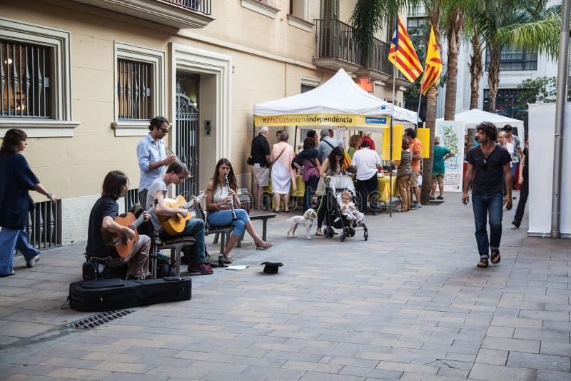 улицы штарки людей движения нерезкости barcelona низкооборотные стоковые фотографии rf
