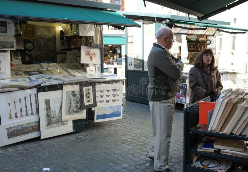 Download Уличный рынок в Риме редакционное стоковое фото. изображение насчитывающей открытка - 37926793