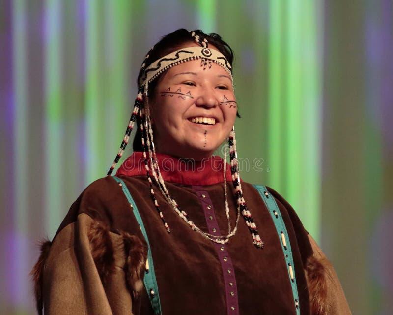 Улыбка коренного американца стоковые изображения