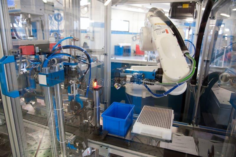 Фабрика - линия здания машина e для автоматизации стоковые фотографии rf
