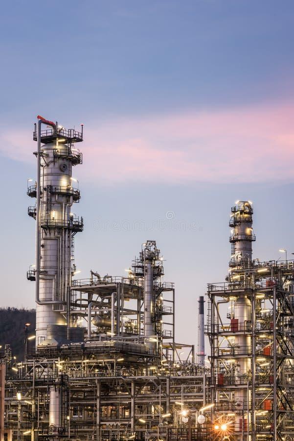 Фабрика рафинадного завода газа масла стоковое изображение