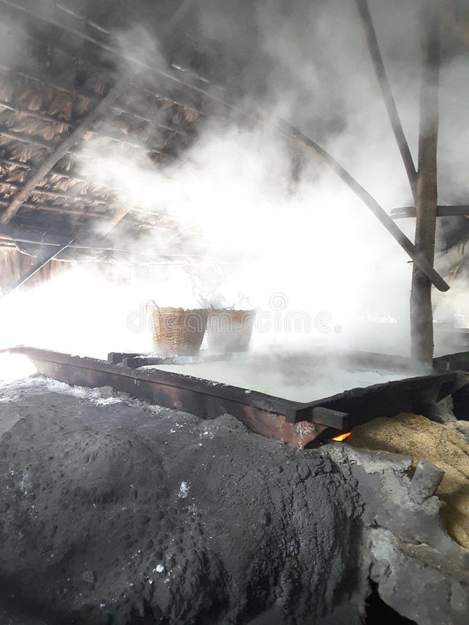 Фабрика соли стоковое фото