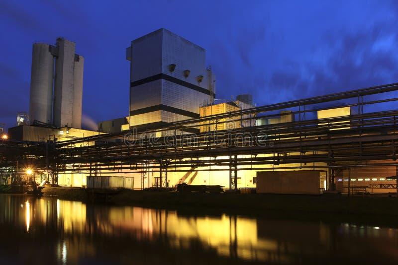 фабрика сумрака стоковое изображение rf