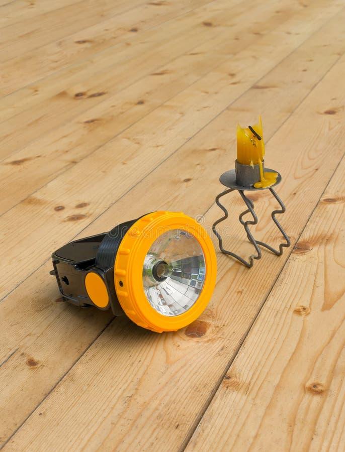 Download Факел и свеча стоковое изображение. изображение насчитывающей накоплений - 41659147
