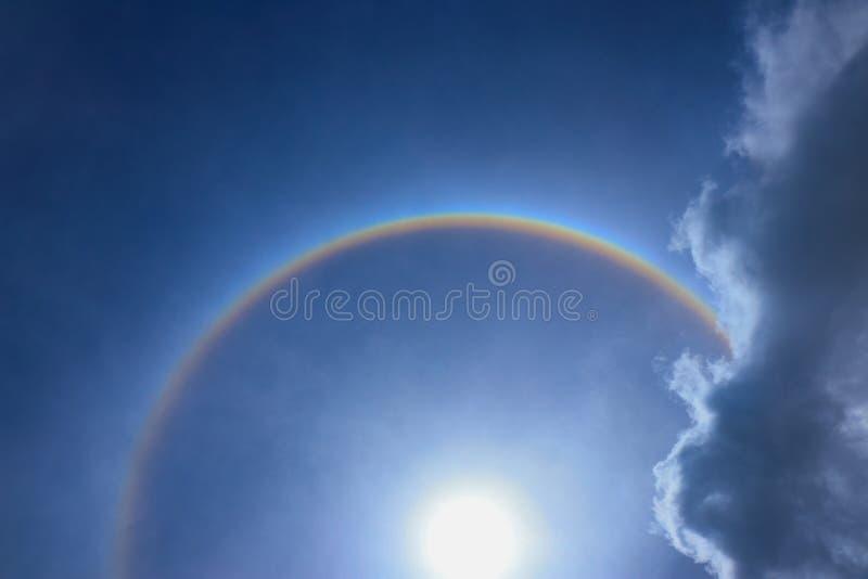 Фантастическое кольцо короны венчика солнца солнца красивого с круговым r стоковые фото