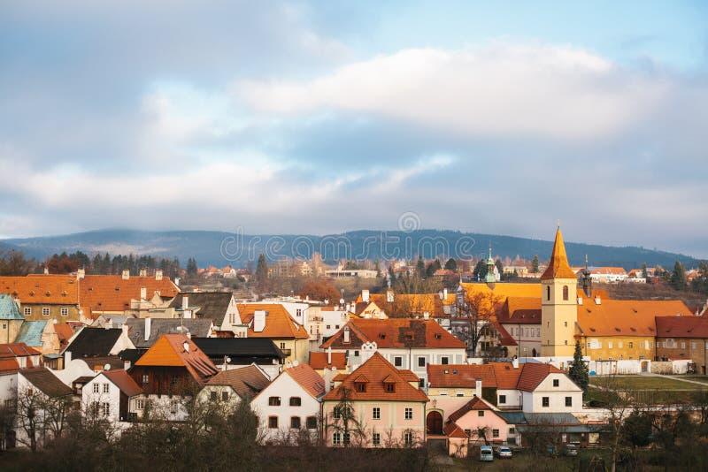 Фантастично красивый вид городка Cesky Krumlov в чехии Любимое место туристов от повсюду стоковое фото rf