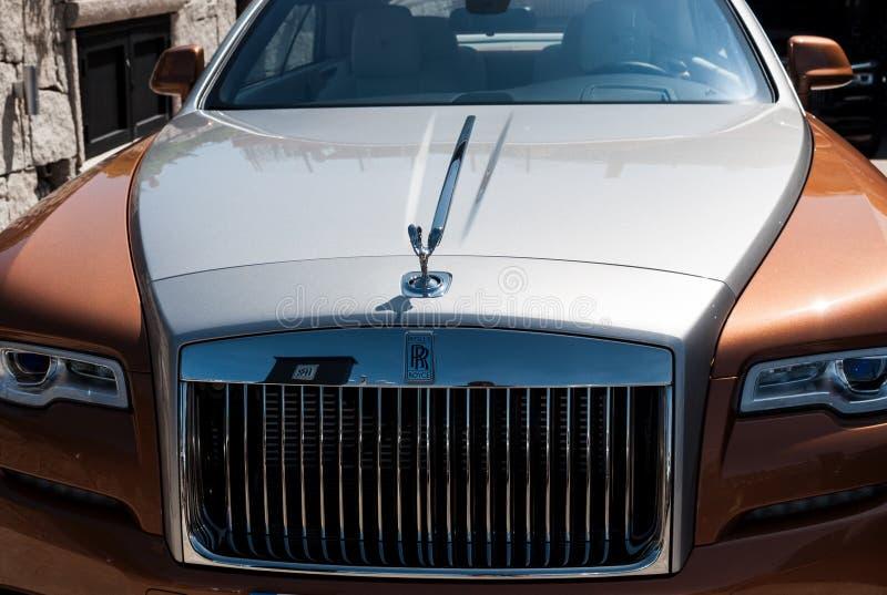Фантом Rolls Royce в Порту cervo стоковое изображение