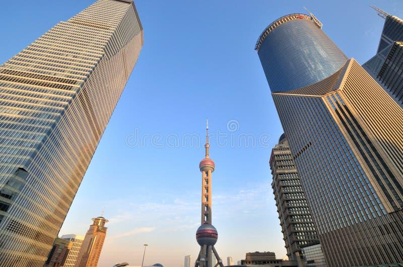 фарфор финансовохозяйственный shanghai делового центра стоковые фото