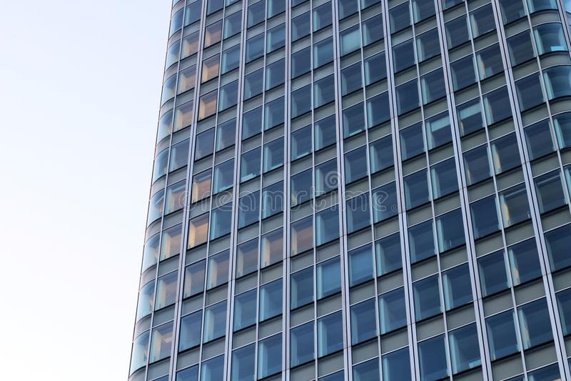 Фасад администраривного администраривн стеклянный в обороне Франции Ла Парижа стоковые фотографии rf