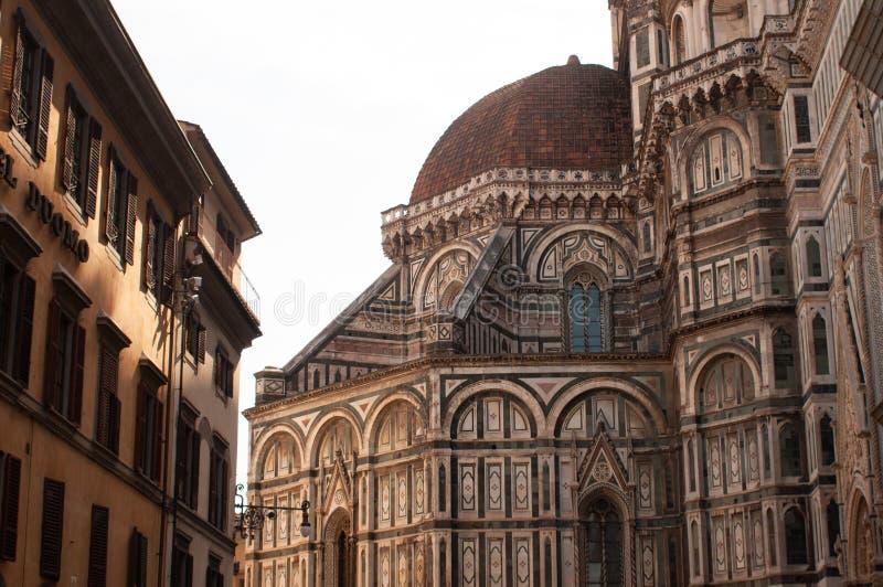 Фасад баптистерего Флоренса Италии San Giovanni с куполом Santa Maria del Fiore стоковые фото