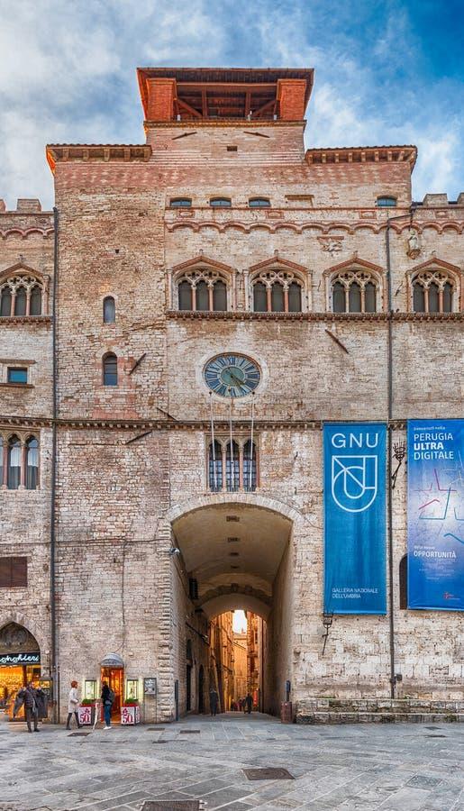 Фасад галереи Умбрии национальной, Перудж, Италия стоковая фотография rf