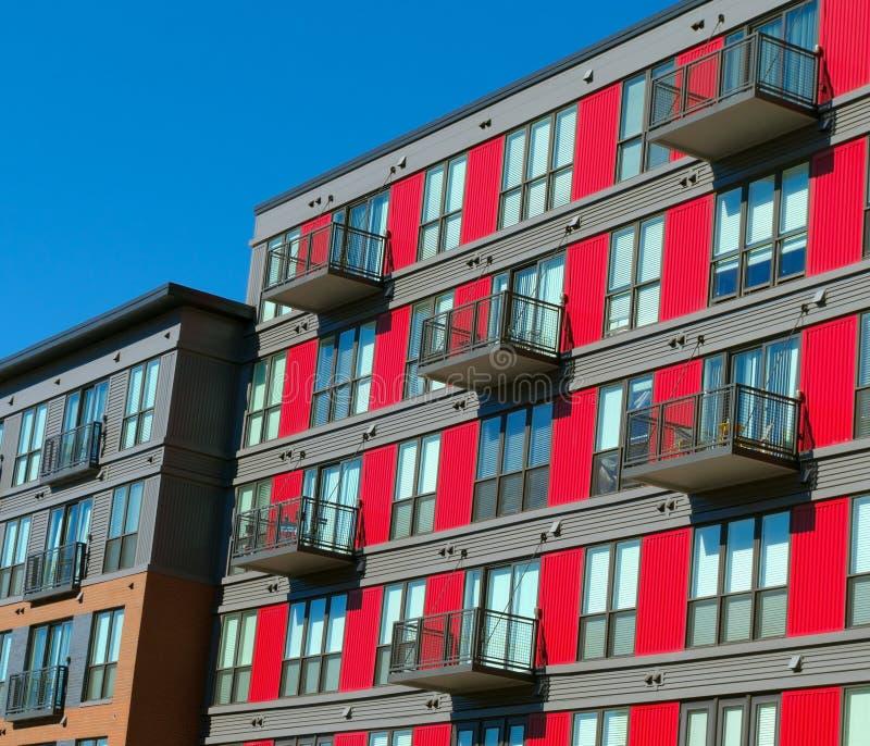 Фасад жилого дома стоковое изображение rf