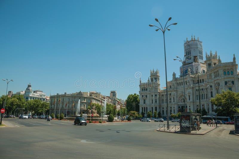 Фасад здания городской ратуши и фонтан Cybele в Мадриде стоковая фотография