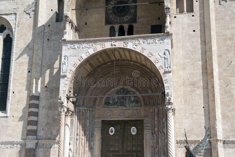 Фасад собора стоковые изображения rf