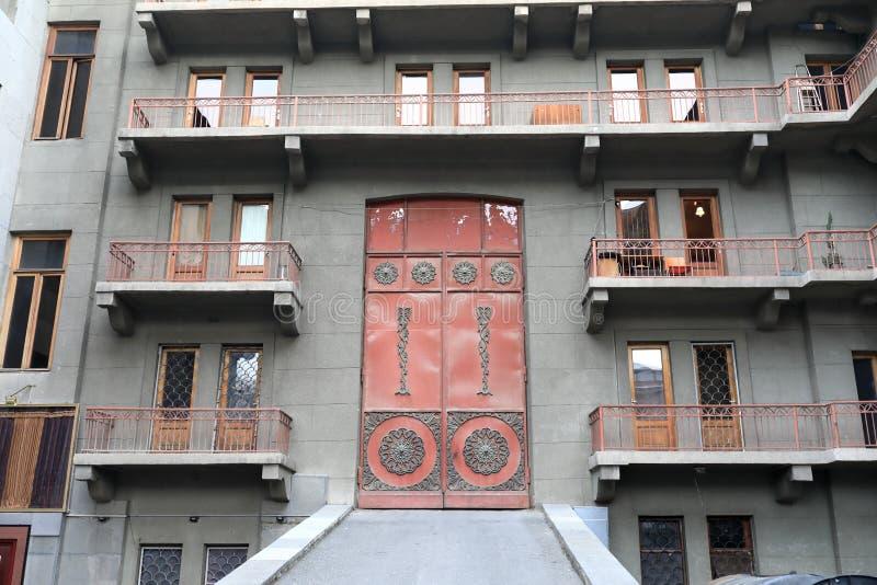Фасад старого здания стоковые фотографии rf