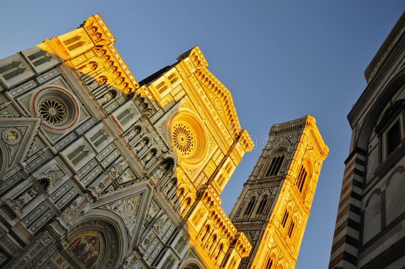 Фасад флорентского собора на закате стоковое фото