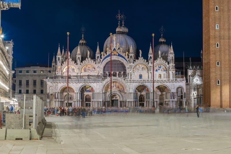 Фасад St Mark & x27; базилика s, церковь собора Венеции, Италии стоковые изображения