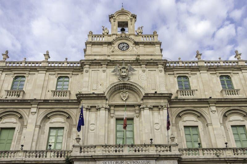 Фасад дворца университета стоковая фотография