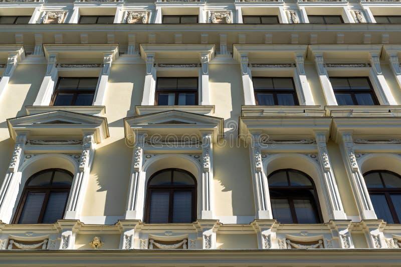 Фасад здания Nouveau искусства стоковое изображение rf