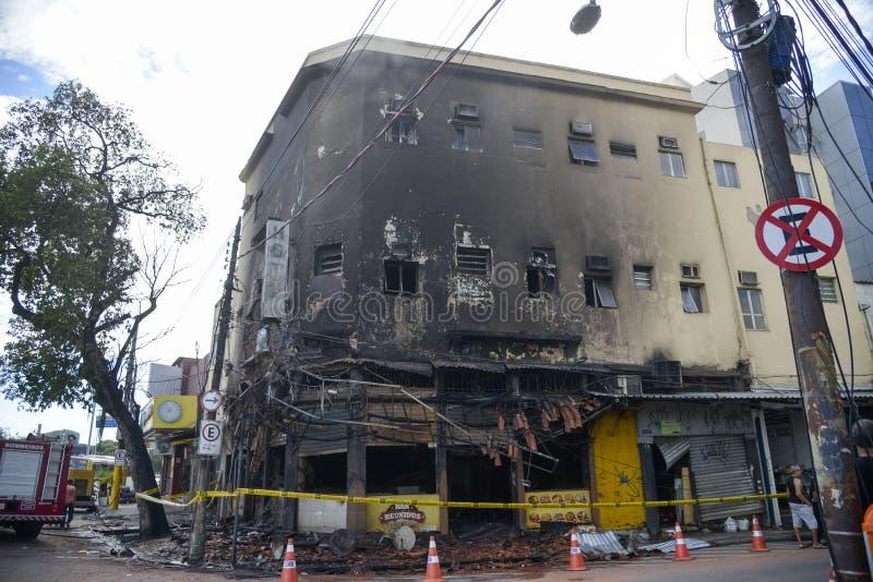 Фасад, который сгорели здания стоковые изображения rf