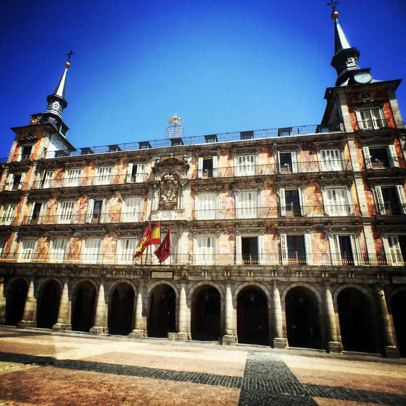Фасад мэра площади в Мадриде, Испании стоковая фотография