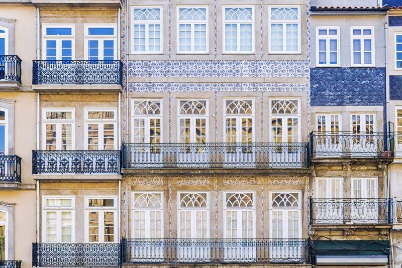Фасад дома в городе Порту, Португалии стоковое фото