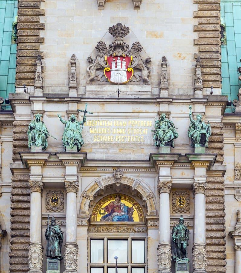 Фасад ратуши в Гамбурге, Германии стоковые фотографии rf