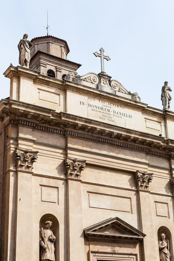 Фасад chiesa di Сан Daniele Martire в Падуе стоковое изображение rf