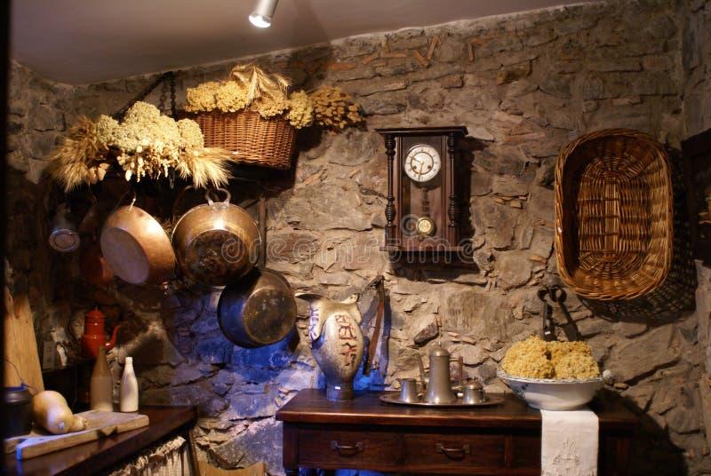 фасонируемая кухня старая стоковое изображение