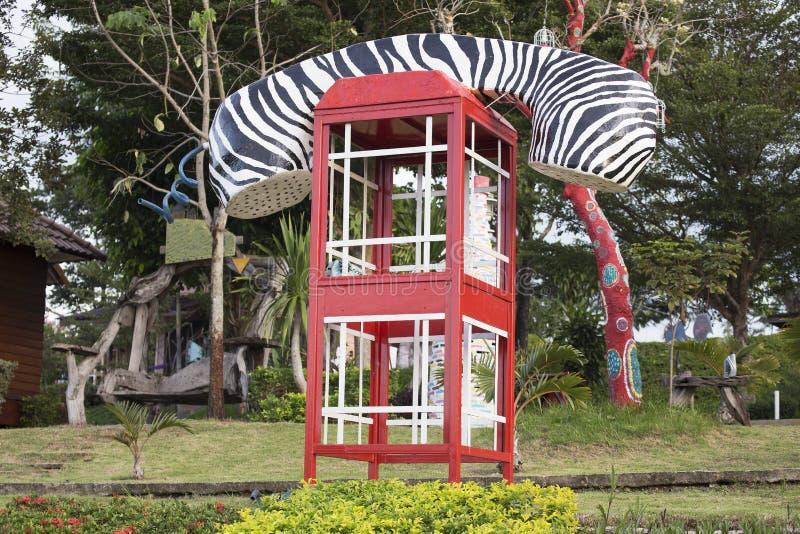 Фасонируемый таксофон переговорной будки или публики стоковое фото rf