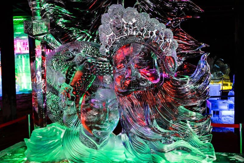 Февраль 2013 - Харбин, Китай - красивые статуи льда на фестивале фонарика льда стоковое фото rf