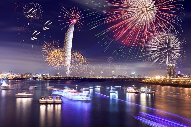 феиэрверки taipei города стоковое изображение rf