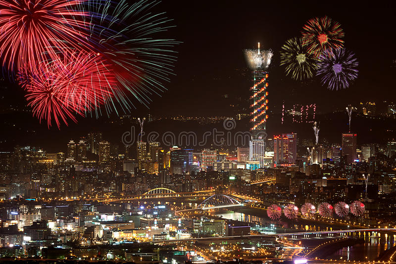 феиэрверки taipei города стоковые фото