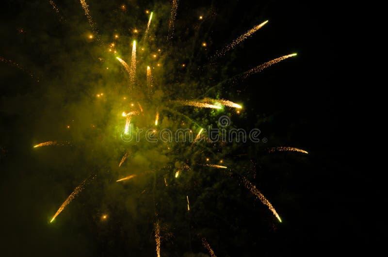 Фейерверки в небе на ноче стоковая фотография rf