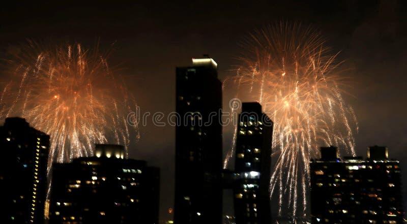 Фейерверки над Нью-Йорком стоковое фото