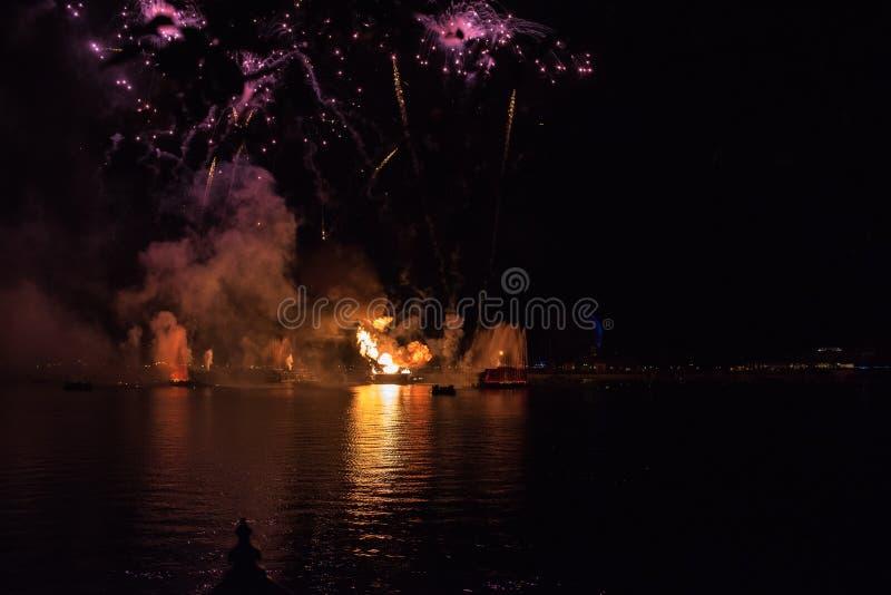 Фейерверки на Epcot на мире Уолт Дисней стоковое изображение