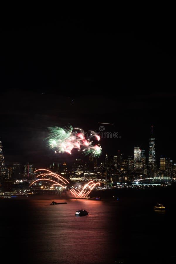 Фейерверки Нью-Йорка стоковое фото