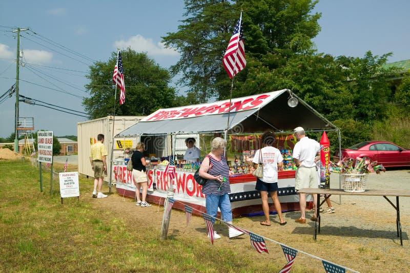 Фейерверки стоят на трассе 29 в сельской Вирджинии стоковое изображение