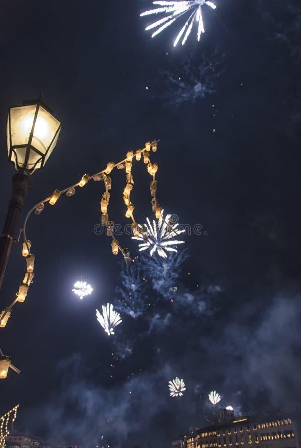 Фейерверки для торжества в Пизе стоковое фото rf