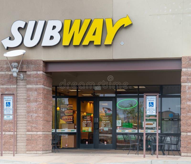 Феникс, Az/USA - 7 20 18: Метро американец неофициально держало франшизу ресторана фаст-фуда которая главным образом продает sand стоковые фото