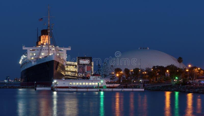 Ферзь Mary RMS в Лонг-Бич стоковые фотографии rf