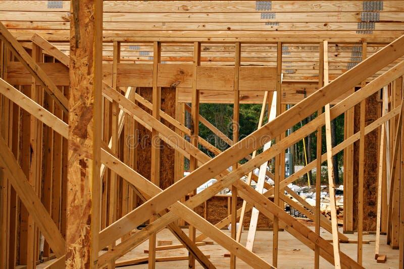 ферменная конструкция деревянная стоковое фото rf