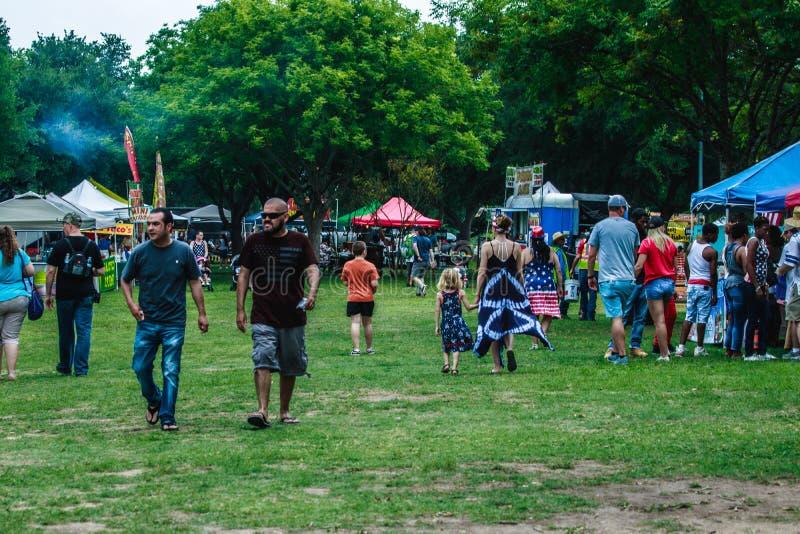 Фестиваль дней 4-ое июля 2019 и границы событий стоковые изображения