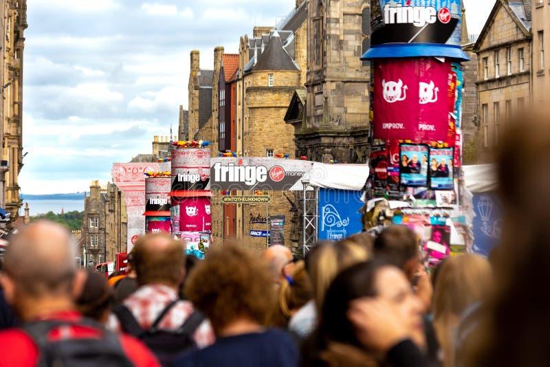 Фестиваль 2018 края Эдинбурга на королевской миле стоковые изображения rf