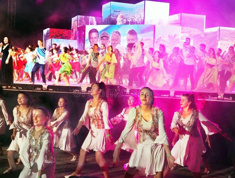 Фестиваль 2019 танца Karmiel стоковая фотография
